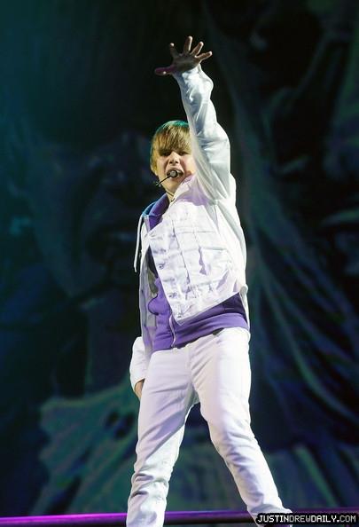 Justin+Bieber+Concert+June+24+2010+4E2dr8gdOSjl